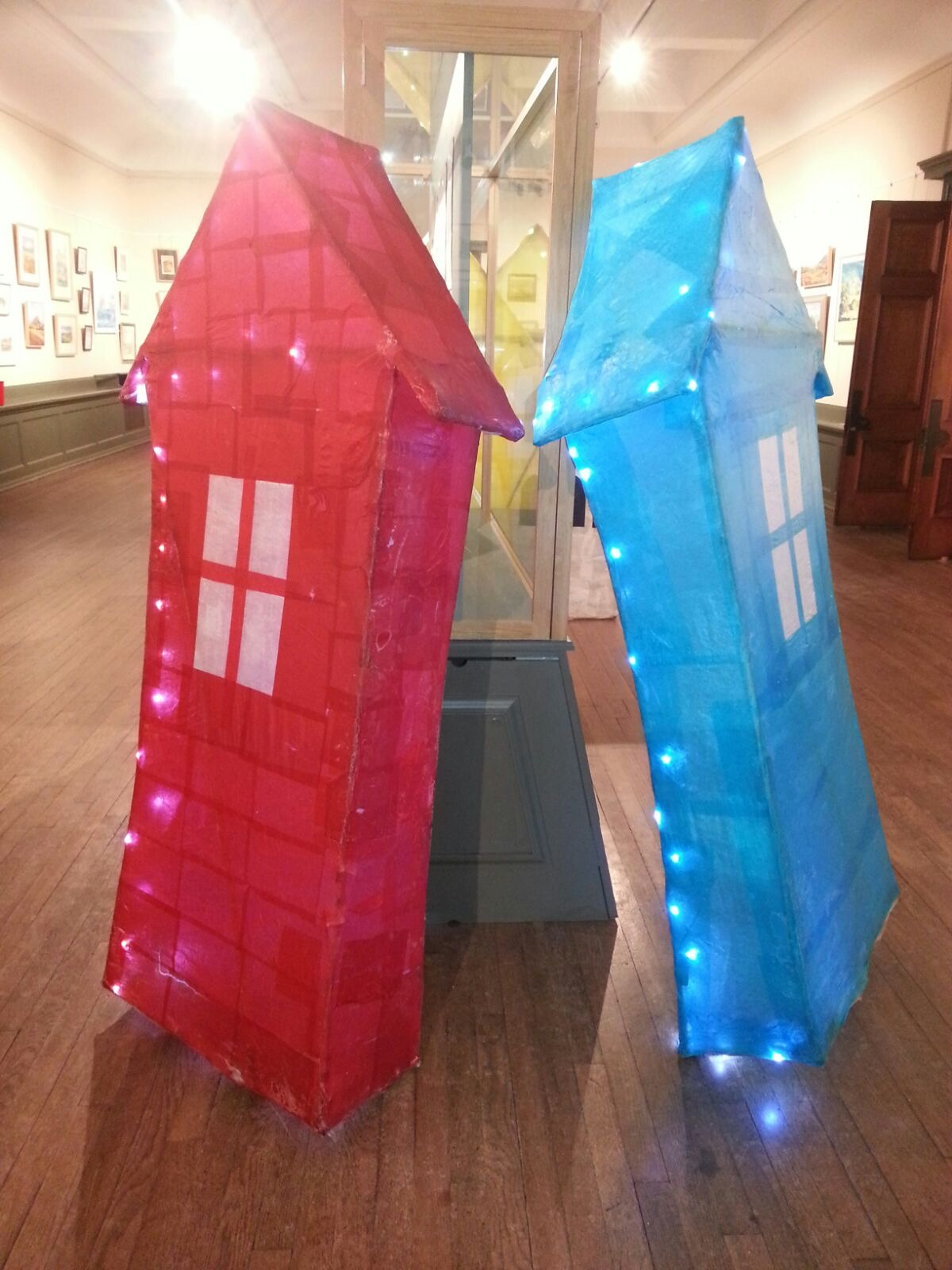 Stakesby Community Primary School made two beach hut lanterns in red and yellow, and a further blue beach hut was created by West Cliff Primary School along with the magnificent set of Whale bones